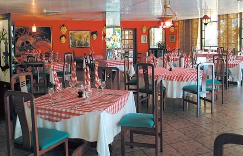 Puntarena Playa Caleta - Restaurant - 4