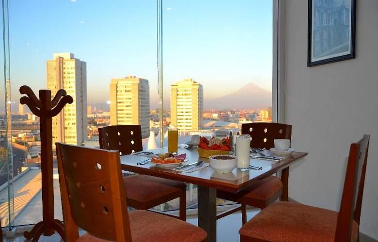 La Quinta Inn & Suites Puebla Palmas - Restaurant - 24