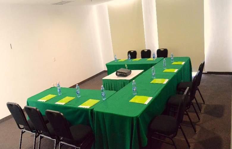 La Quinta Inn & Suites Puebla Palmas - Conference - 16