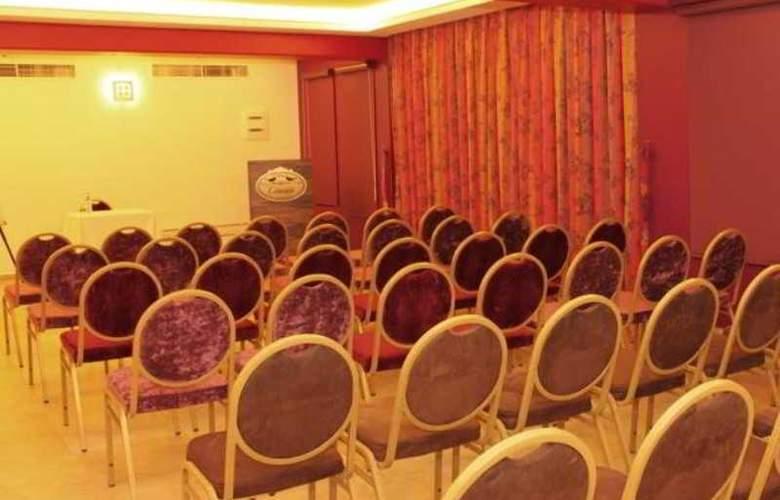 Canari de Byblos - Conference - 13