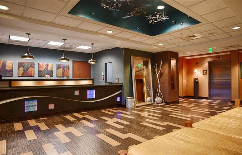 Best Western Plus Chain Of Lakes Inn & Suites - Hotel - 48