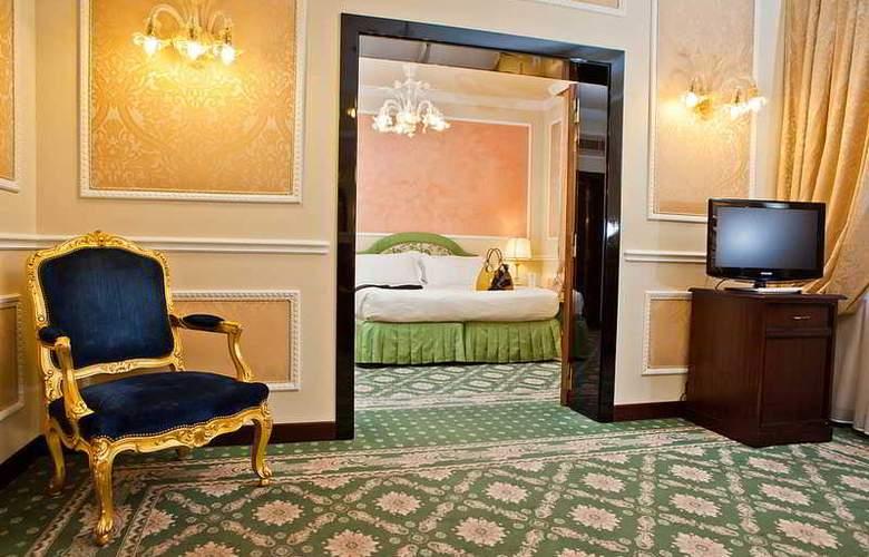Bernini Palace - Room - 13