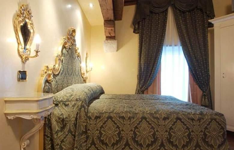 Vecellio - Room - 8