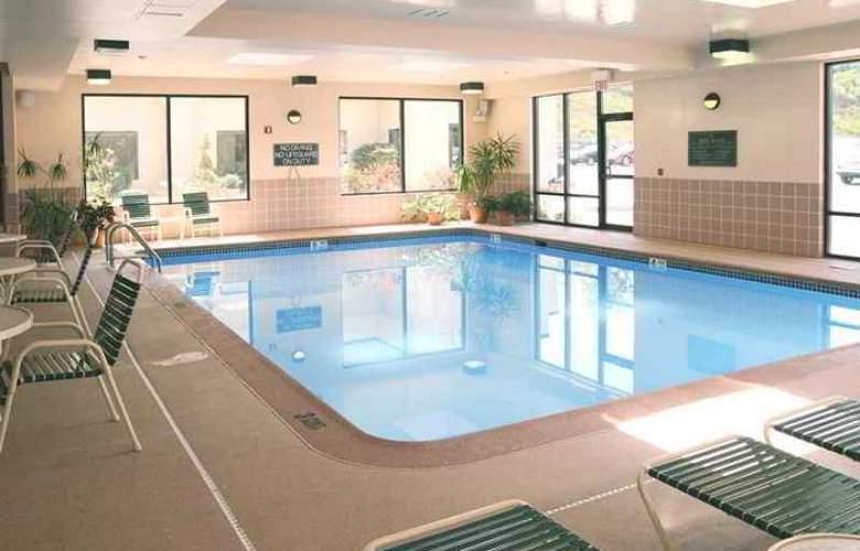 Hampton Inn Altoona - Hotel - 4