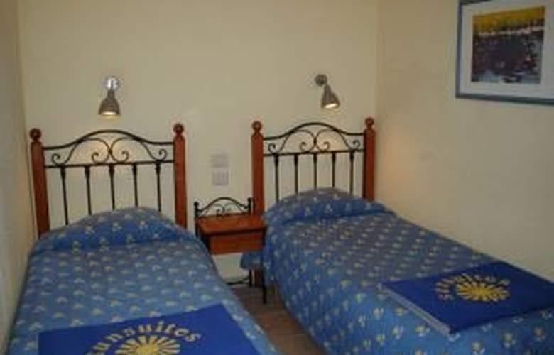 Sunsuites Lufesa - Room - 1