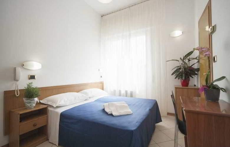 Manola - Room - 9