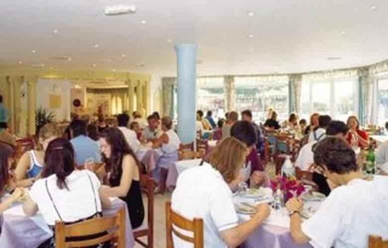 Lavris Hotel & Bungalows - Restaurant - 7