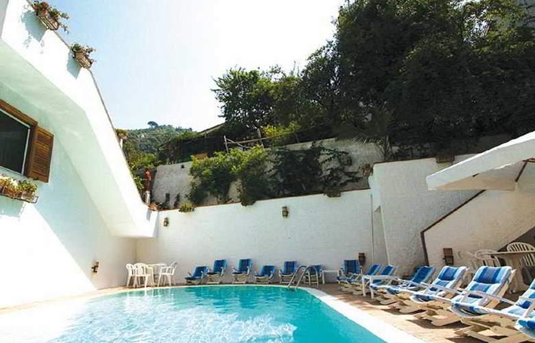 Villa Romana - Pool - 1