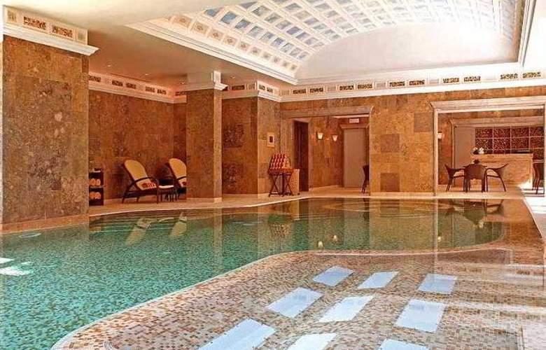 Grande Real Villa Italia - Hotel - 16