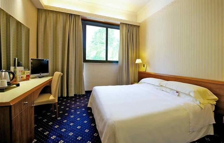 Mercure Astoria - Room - 8