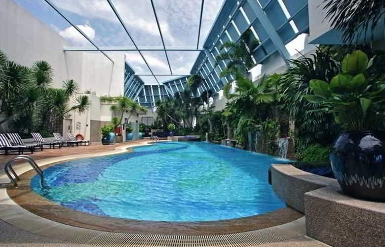 Regency House - Pool - 19