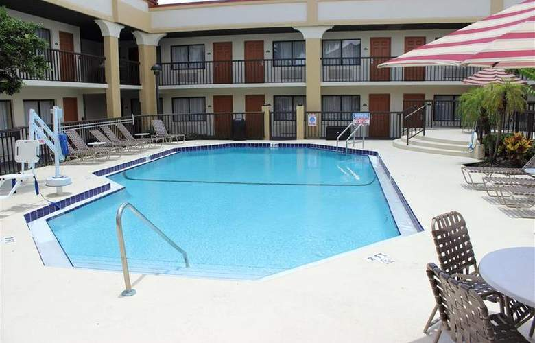 Best Western Orlando East Inn & Suites - Pool - 56