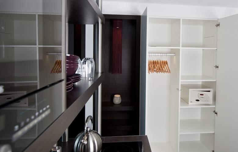 Goodman's Living - Room - 4