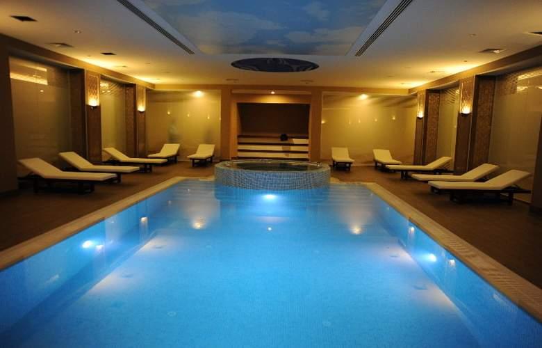 Mercure Istanbul Altunizade - Pool - 2