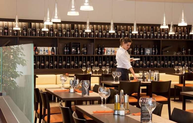 Ibis Oviedo - Restaurant - 18