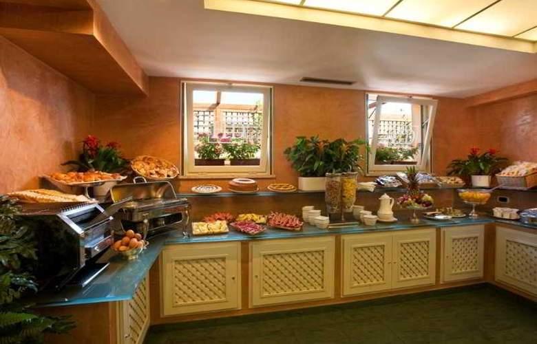 Diana Roof Garden - Restaurant - 4