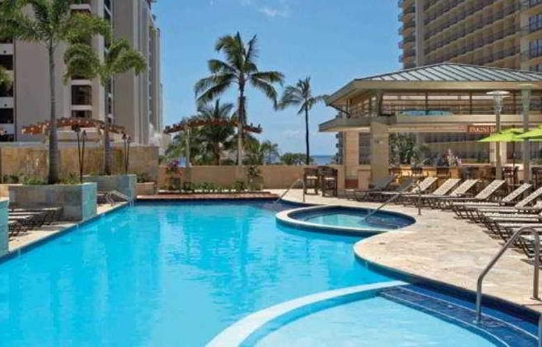 Embassy Suites - Waikiki Beach Walk - Pool - 7