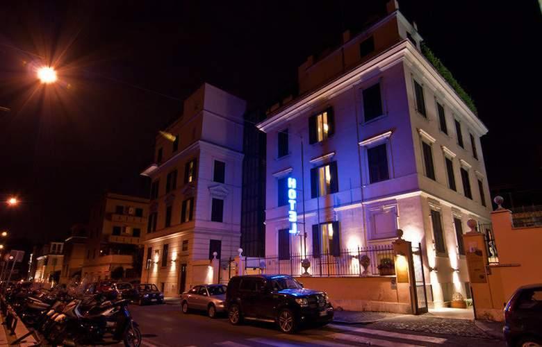 Center 1 & 2 - Hotel - 0
