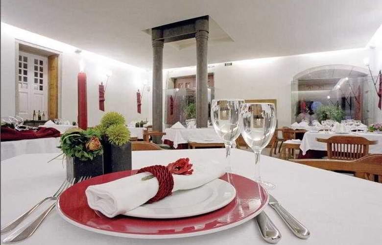 Hotel Casa Melo Alvim - Restaurant - 11