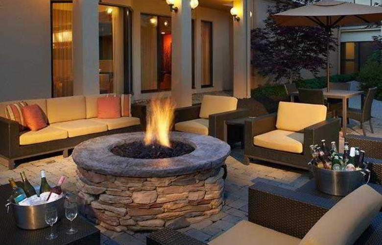 Courtyard Cincinnati Blue Ash - Hotel - 24