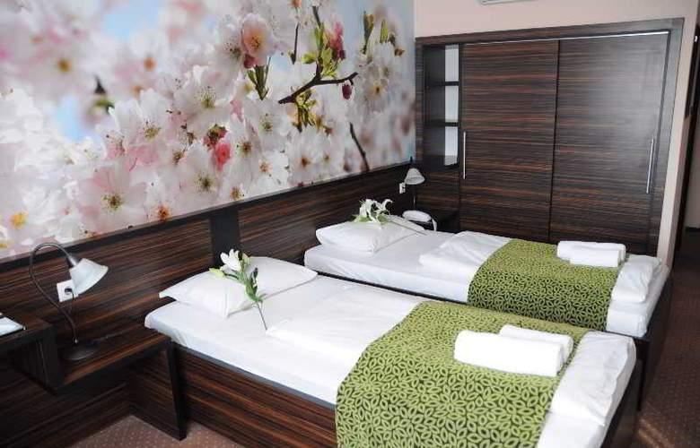 Green Hotel Budapest - Room - 14