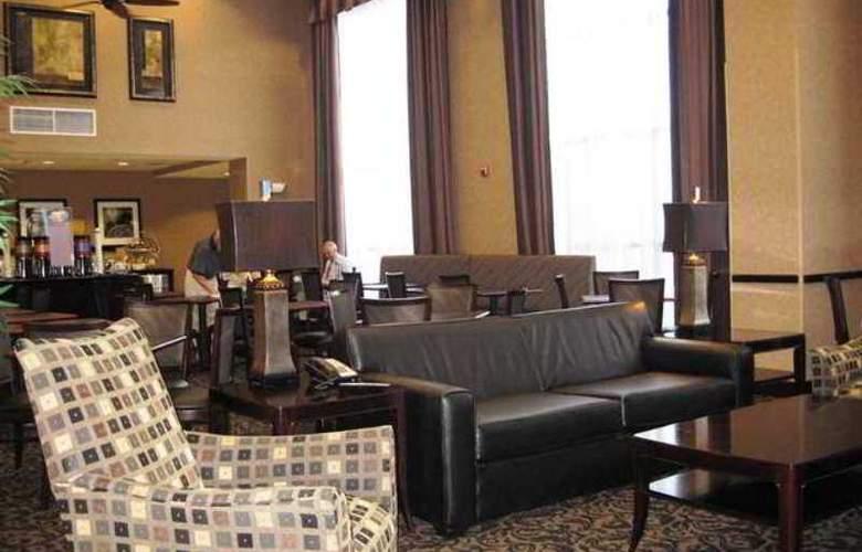 Hampton Inn & Suites Orlando-John Young Pkwy - Hotel - 8
