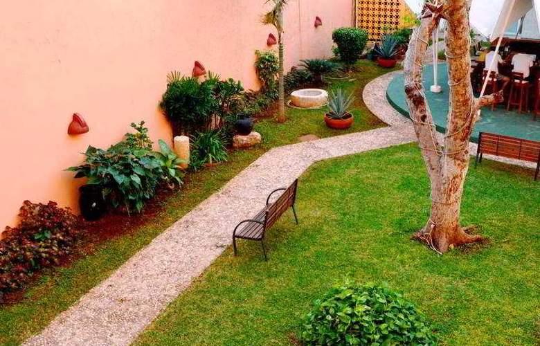 Maria del Carmen - Terrace - 31
