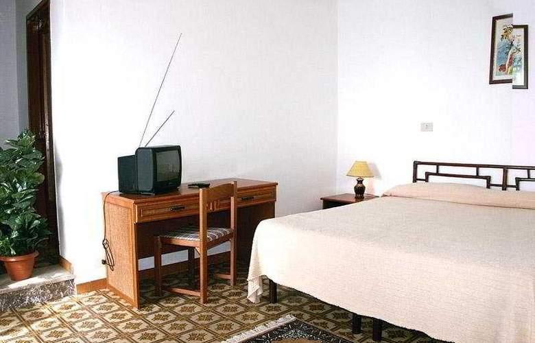 Elios - Room - 3