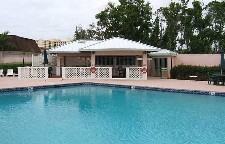 Castaways Resort & Suites - Pool - 5