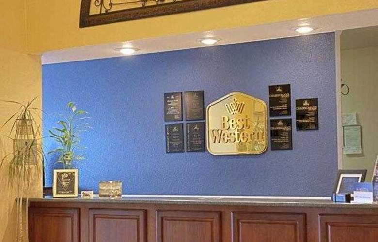 Best Western Plus Sherwood Inn & Suites - Hotel - 9