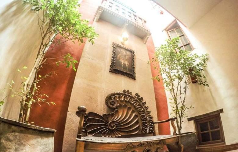 Monasterio - Hotel - 5