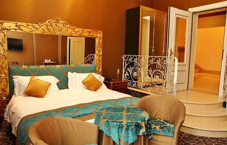 Pesaro Palace - Hotel - 5