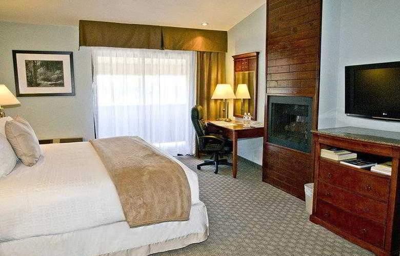 Best Western Plus Forest Park Inn - Hotel - 3