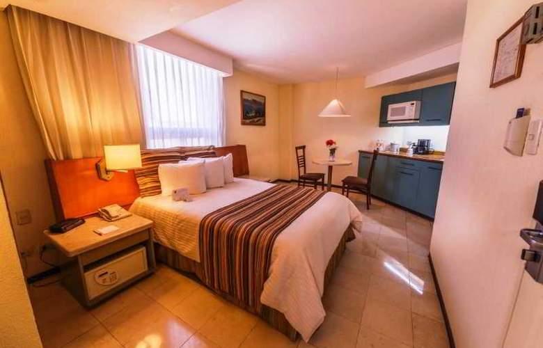 Ramada Hola Culiacán - Room - 13