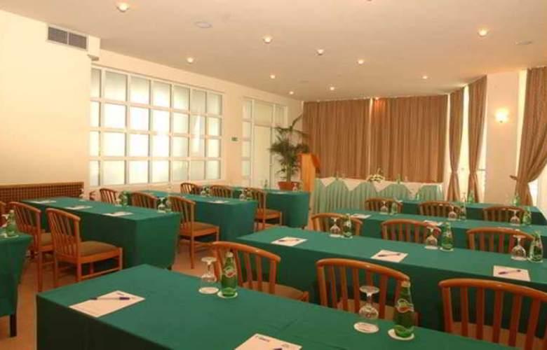 Minos Mare  - Conference - 4