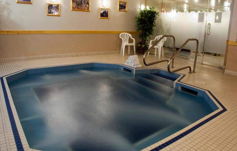 Brewster's  Mountain Lodge - Pool - 16