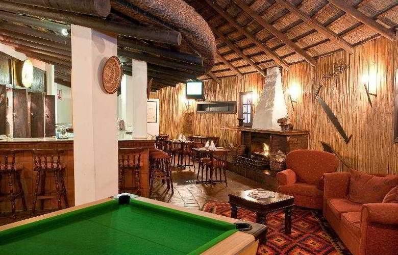 Protea Hotel Oudtshoorn Riempie Estate - Bar - 4