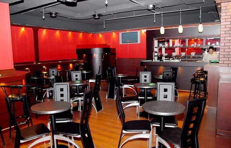 Grand Central Hotel - Bar - 5