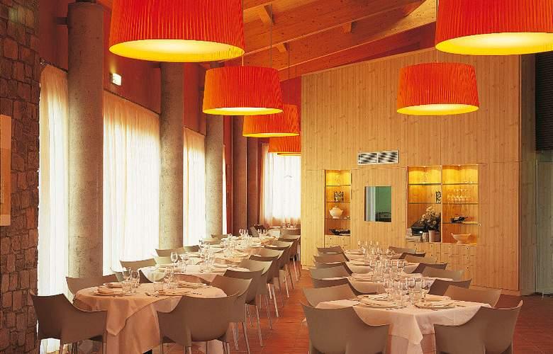 Vilar Rural de Cardona - Restaurant - 14