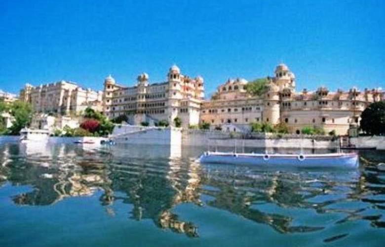 Shiv Niwas Palace - Hotel - 0