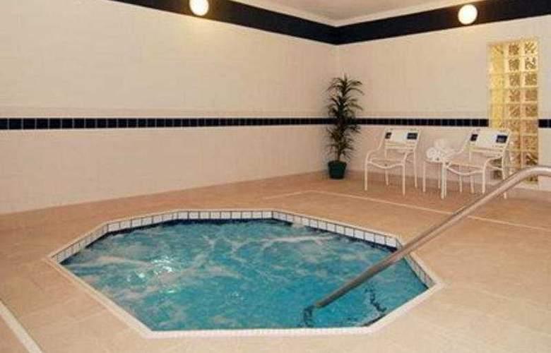 Comfort Suites Las Cruces - Pool - 7