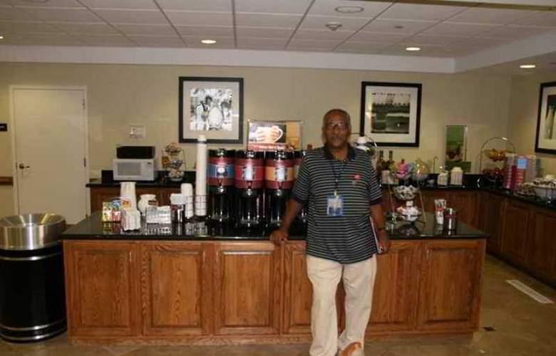Hampton Inn & Suites Chesapeake-Square Mall - Hotel - 6
