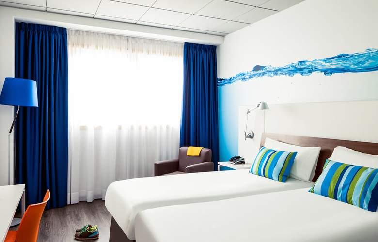Ibis Styles A Coruña - Room - 2