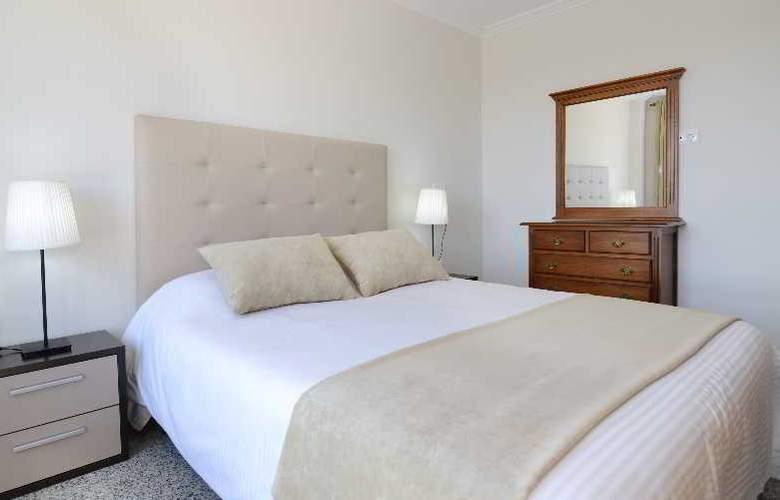 Apartamentos Nuria Sol - Room - 9