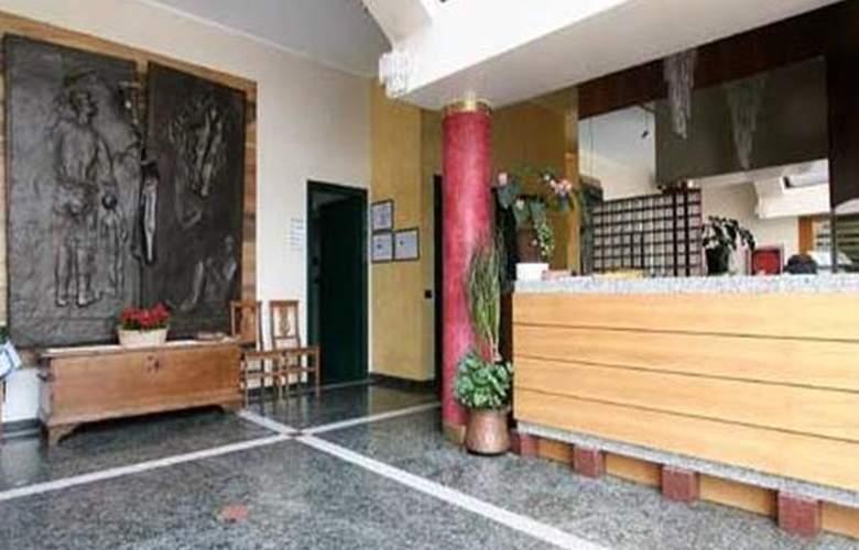 Da Mariuccia Malpensa Airport - Hotel - 1
