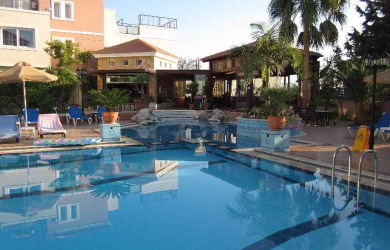 Zeus Village - Pool - 2