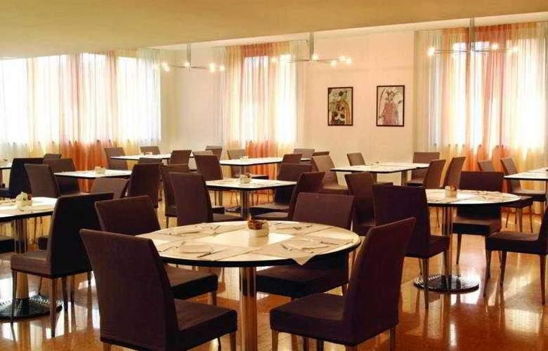 Best Western Cavalieri della Corona - Restaurant - 5