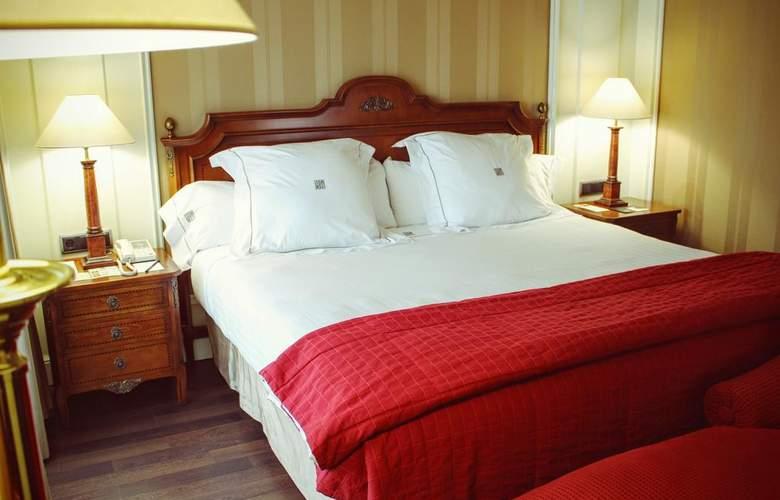 Sevilla Center - Room - 13