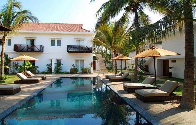 Villa Kiara Boutique Hotel - Pool - 4