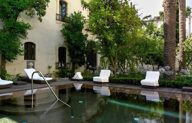 Hospes Palacio del Bailio - Pool - 6